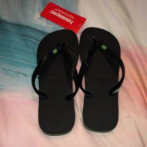 Havaianas Brazil logo black flip flop sandal 9/10